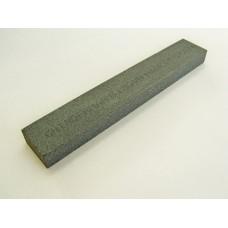 Точильный камень GRINDERMAN из карбида кремния для заточных систем ширина 25мм толщина 12мм длина 152мм F220 Российского производства.